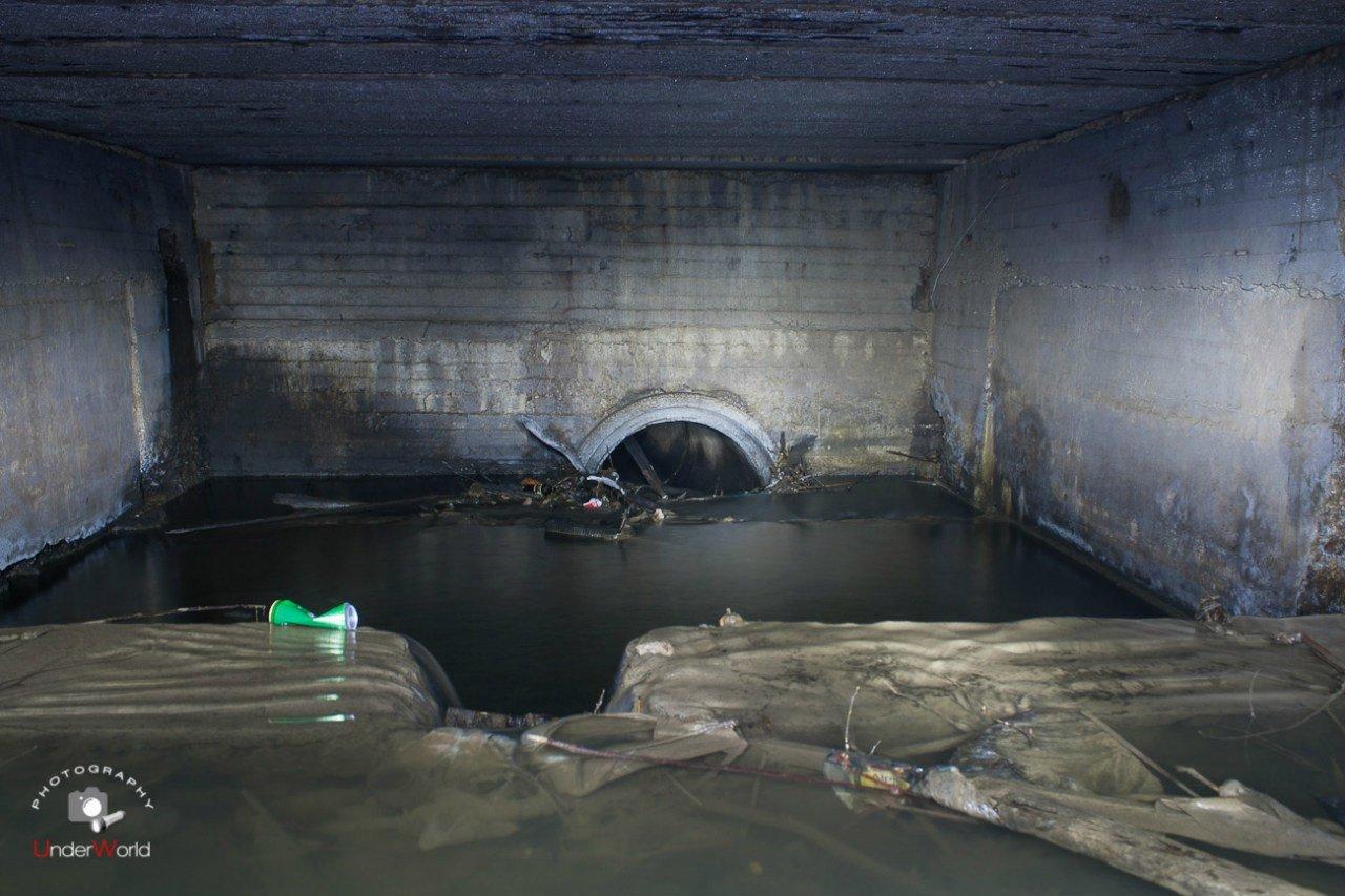 Камера у слива с пруда на Сетуньке